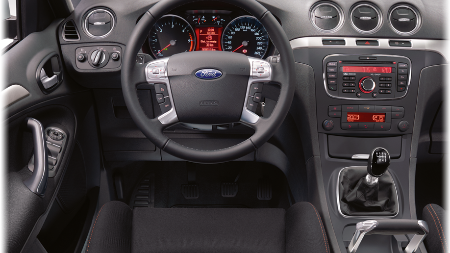 Yeni Ford S Max İç Mekan
