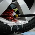 Araç Tekerleği Temizleme
