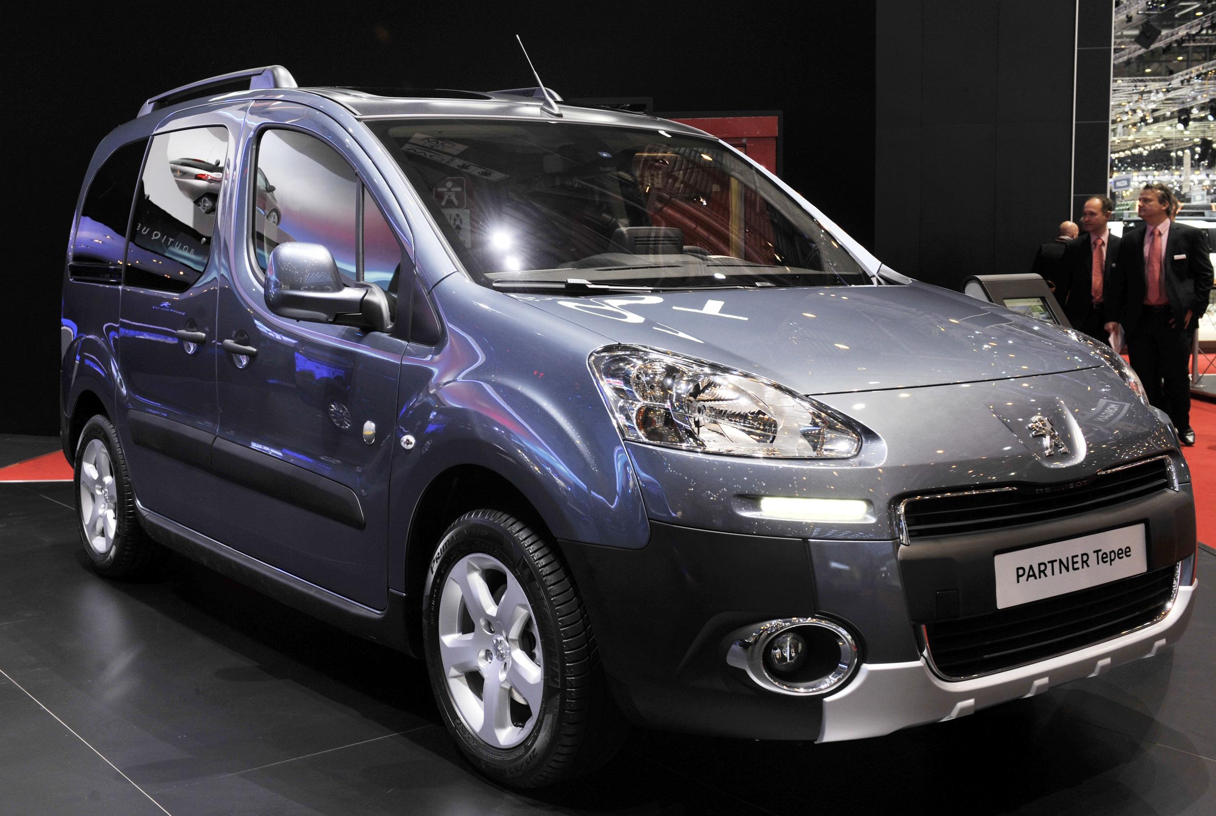 2015 Yeni Peugeot Partner Tepee Incelemesi Uygun Tasit