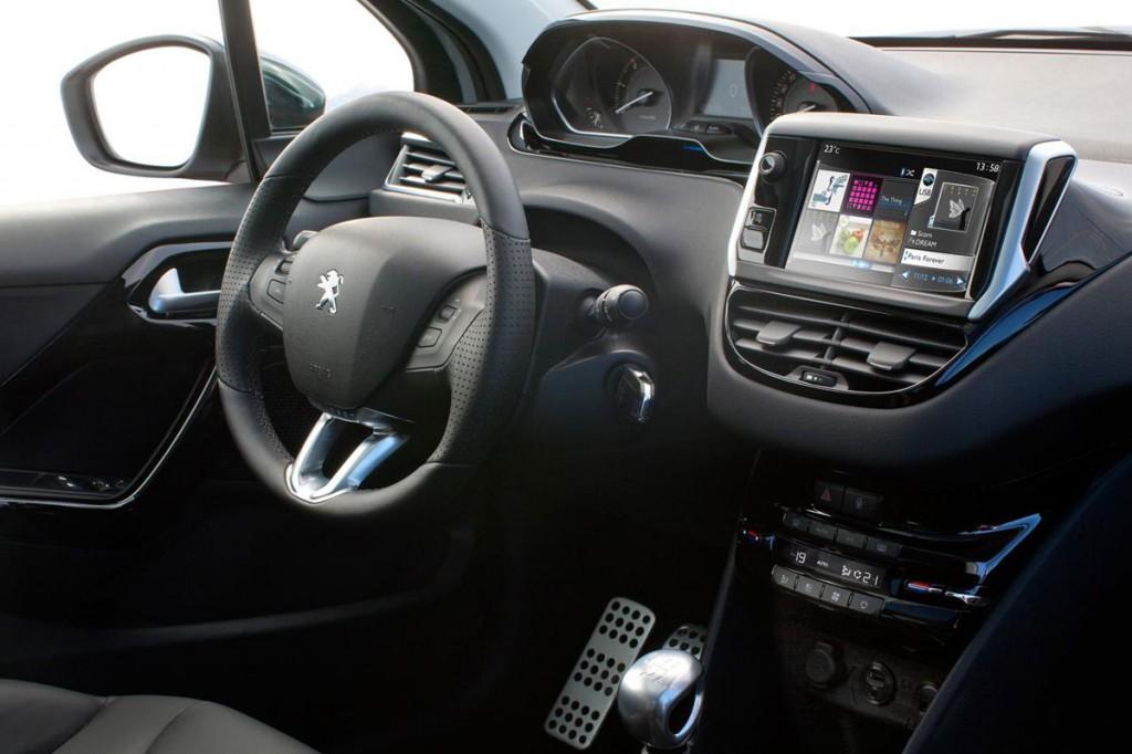 Peugeot 208 İç Görünüm