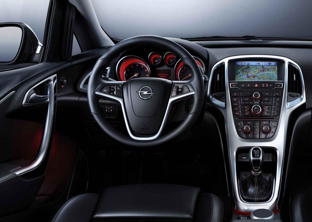 2015 Model Opel Astra İç Görünüm