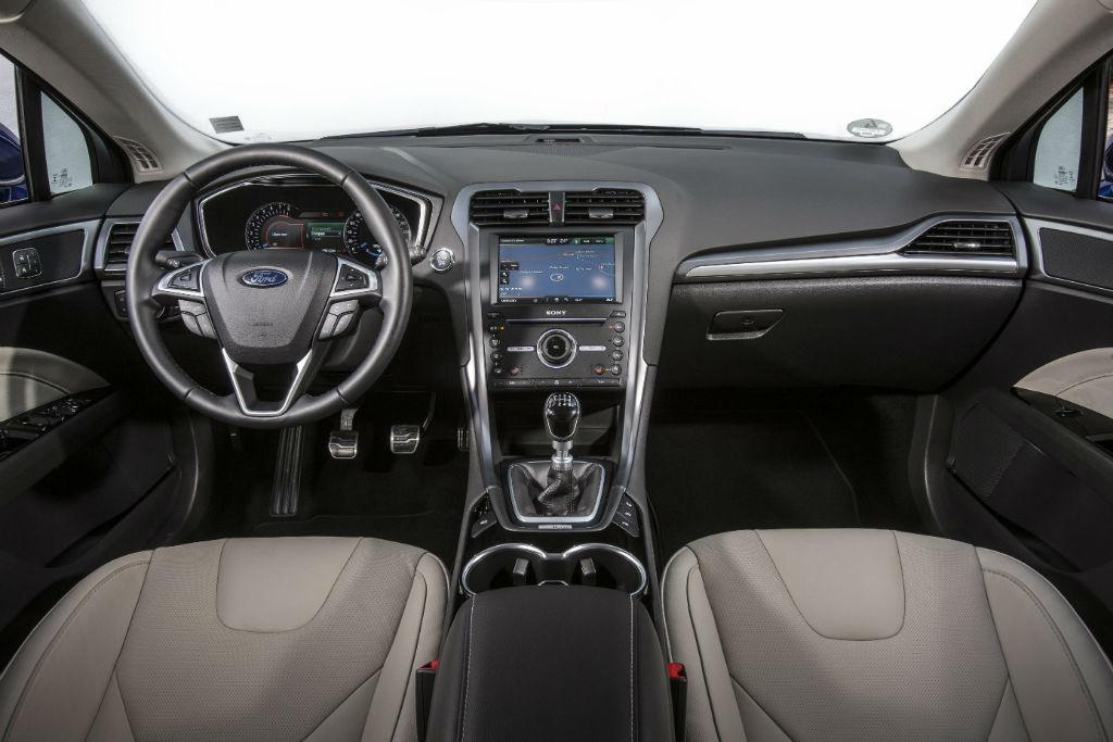 2015 Model Ford Mondeo İç Tasarım