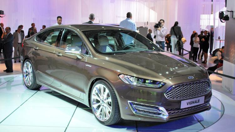 2015 Model Ford Mondeo Renk Seçenekleri