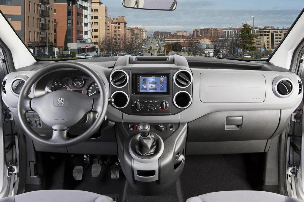 2015 Peugeot Partner Tepee İç Tasarım