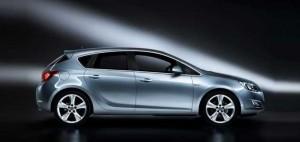 Yenilenen 2015 Opel Astra HB