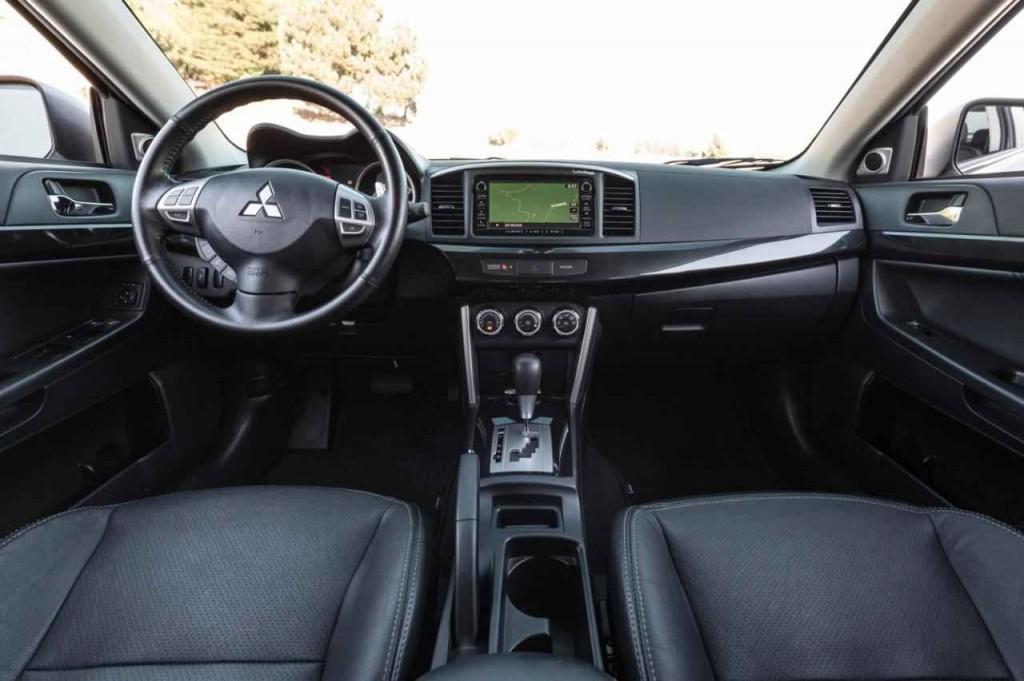 2016 Mitsubishi Lancer GT İç Tasarım