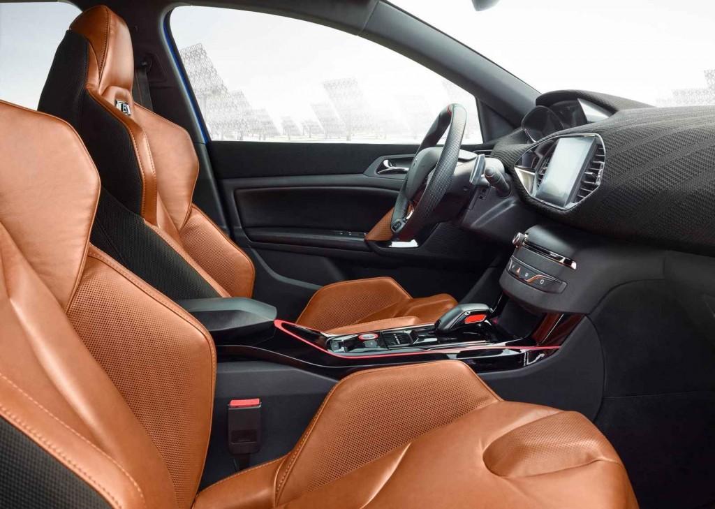 2016 Peugeot 308 R Hybrid İç Tasarım
