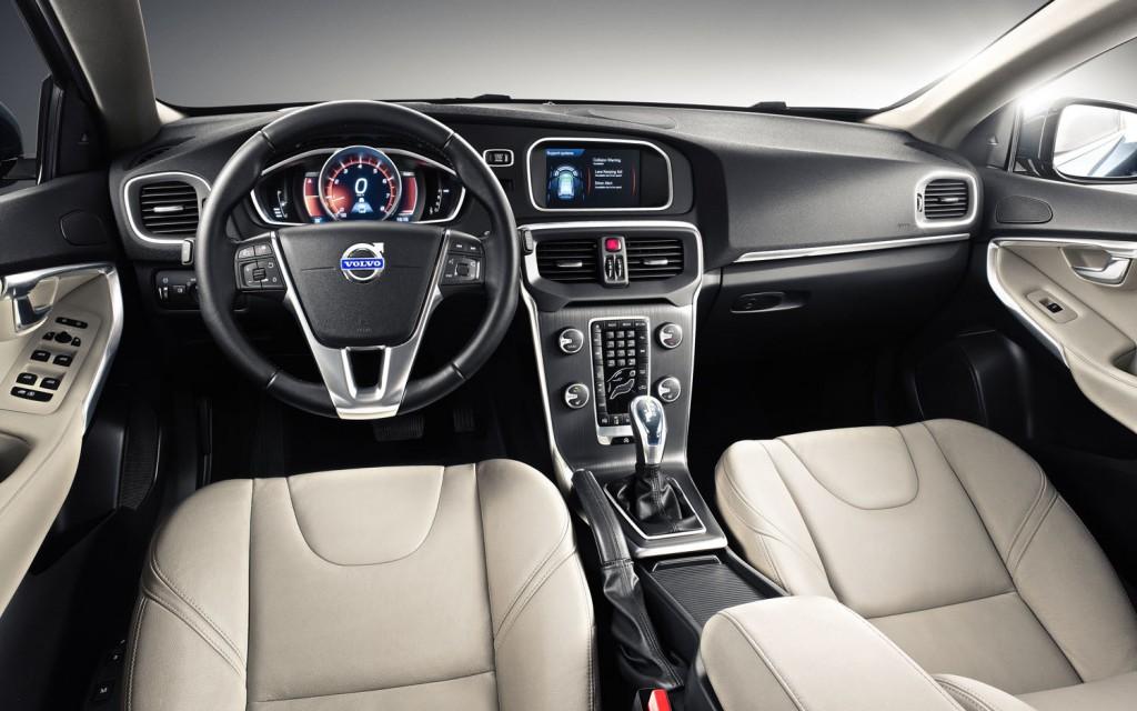 2015 Volvo V40 İç Tasarım