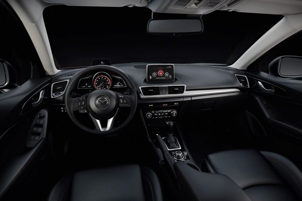 2016 Mazda 3 Sedan İç Tasarım