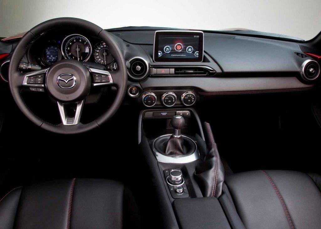 2016 Mazda MX-5 İç Tasarım