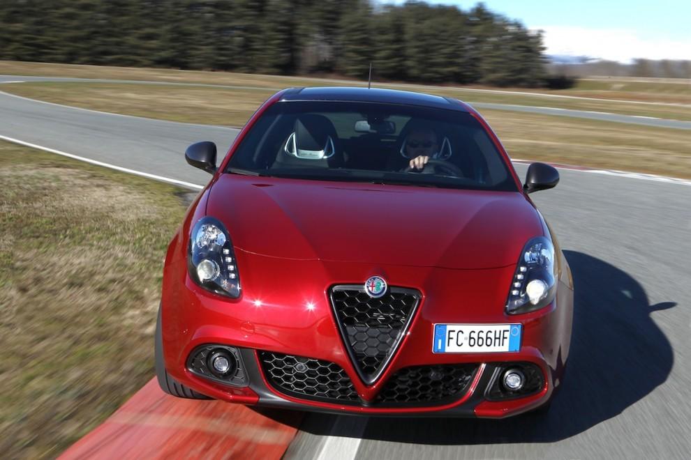 2016 Alfa Romeo Giulietta Renk Seçenekleri