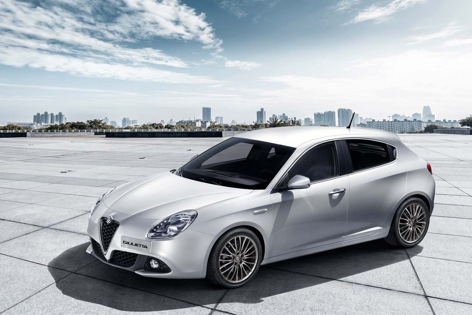 2016 alfa romeo giulietta may s ay fiyatlar uygun ta t. Black Bedroom Furniture Sets. Home Design Ideas