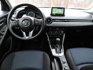 2016-Toyota-Yaris-Sedan İç Görünüm