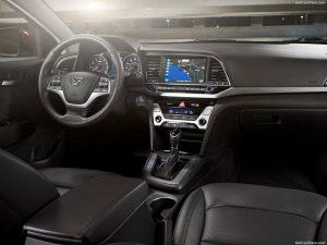 Hyundai Elantra İç Görünüm
