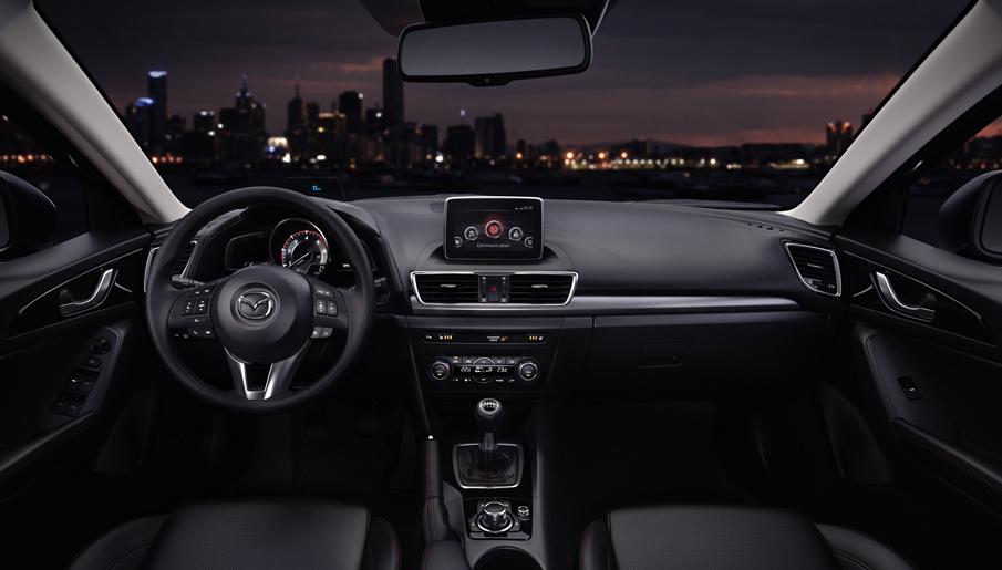 Yeni Mazda 3 HB İç Mekan