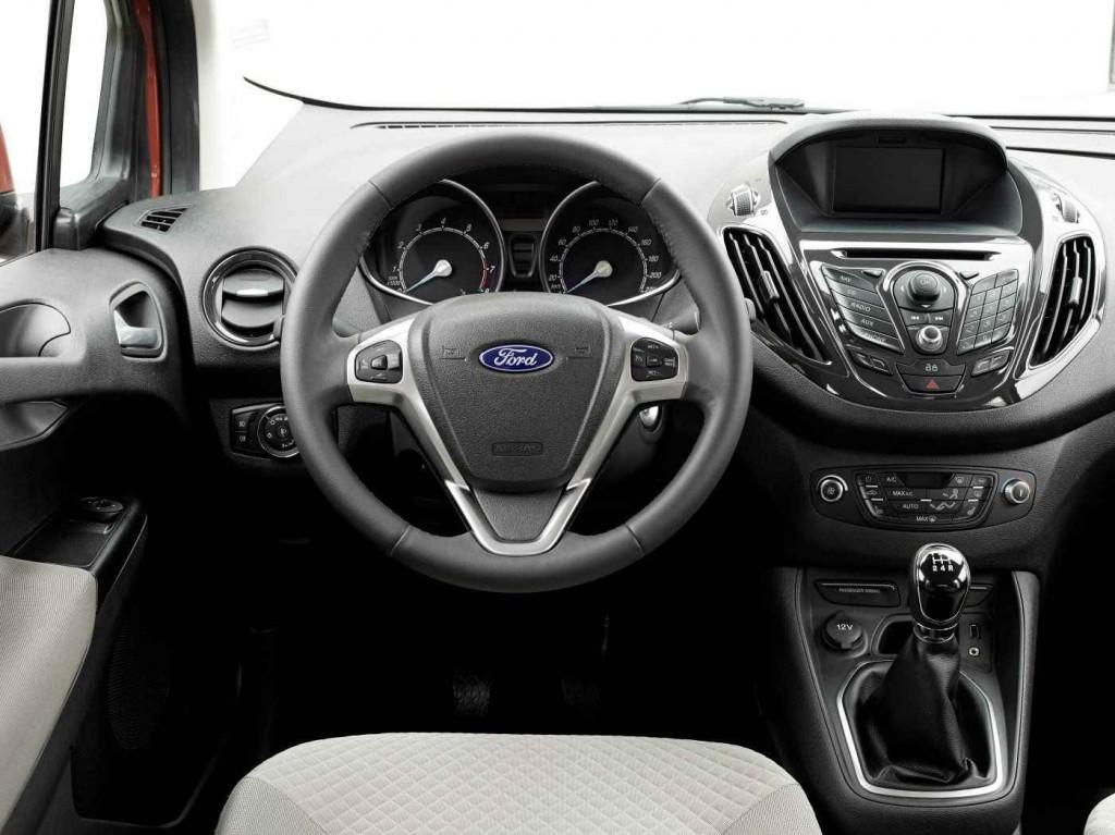 2015 Ford Tourneo Courier İç Tasarım