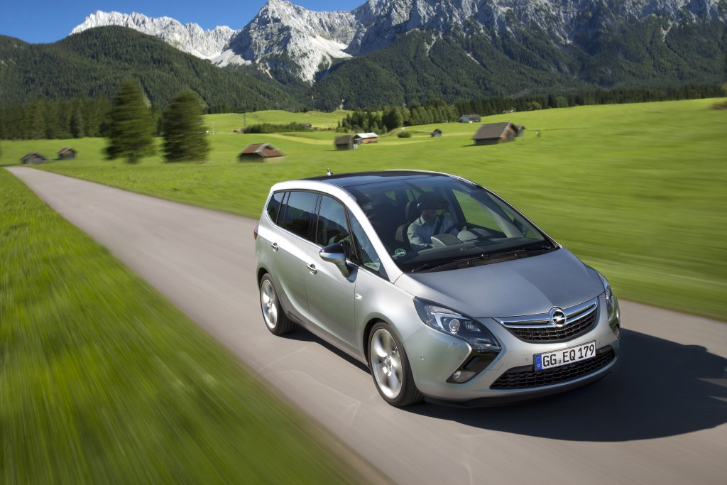 Opel Zafira MPV Otomobil