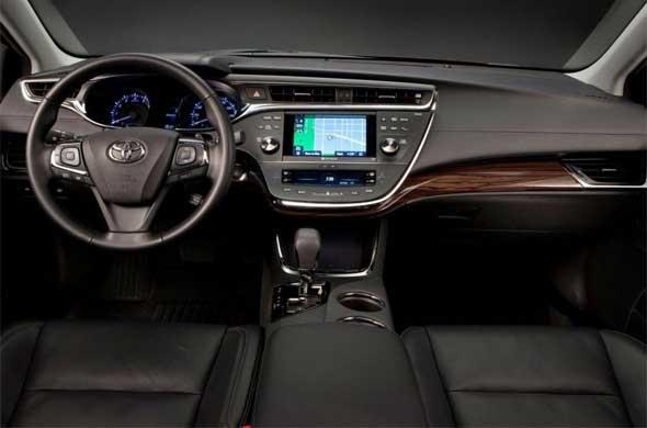 2015 Toyota Avensis İç Tasarım