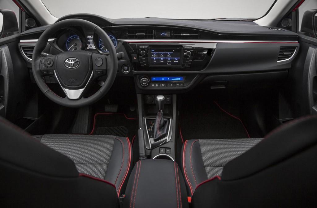 2015 Toyota Corolla İç Tasarım
