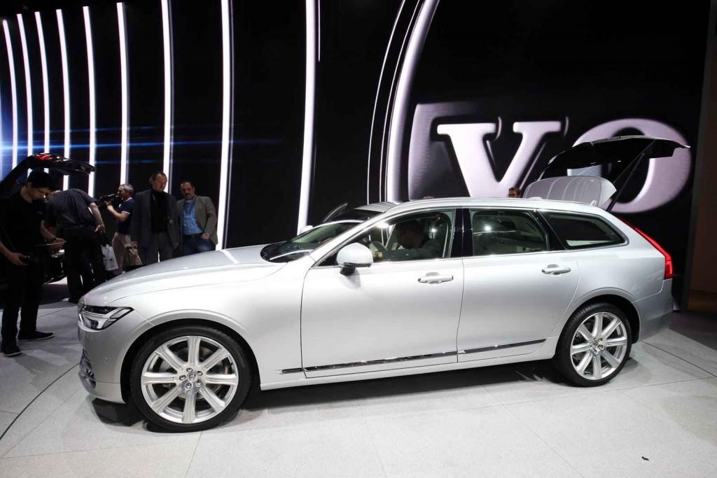 2017 Model Volvo V90
