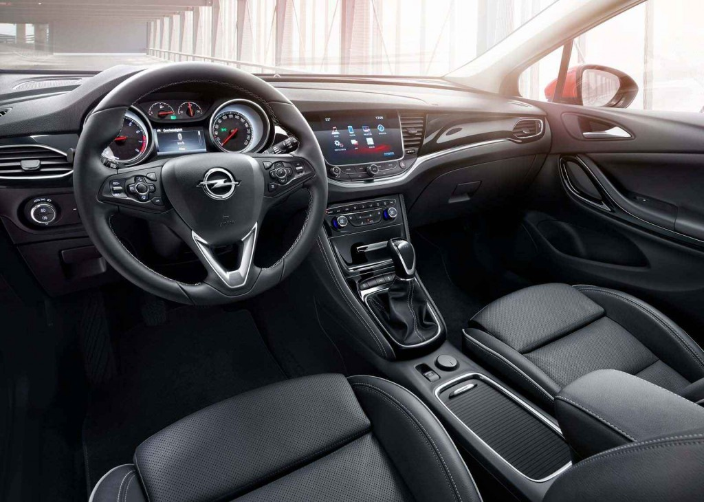 2016 Opel Astra İç Tasarım