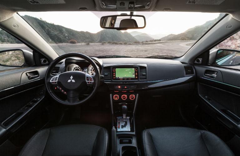 2016 Mitsubishi Lancer İç Tasarım