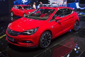 2016-Opel-Astra-HB