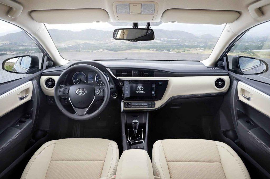 2016 Toyota Corolla İç Tasarım