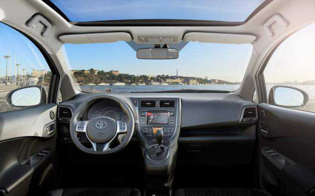 2016 Toyota Verso İç Tasarım